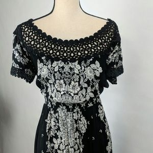 Black and white sundress size medium flower print